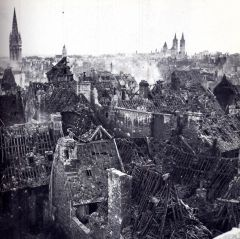 Caen - bombardement de 1944.jpg