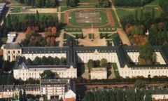 Lycée militaire de Saint-Cyr.jpg