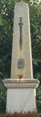 monument du roi Alain le Grand - Questembert.jpg